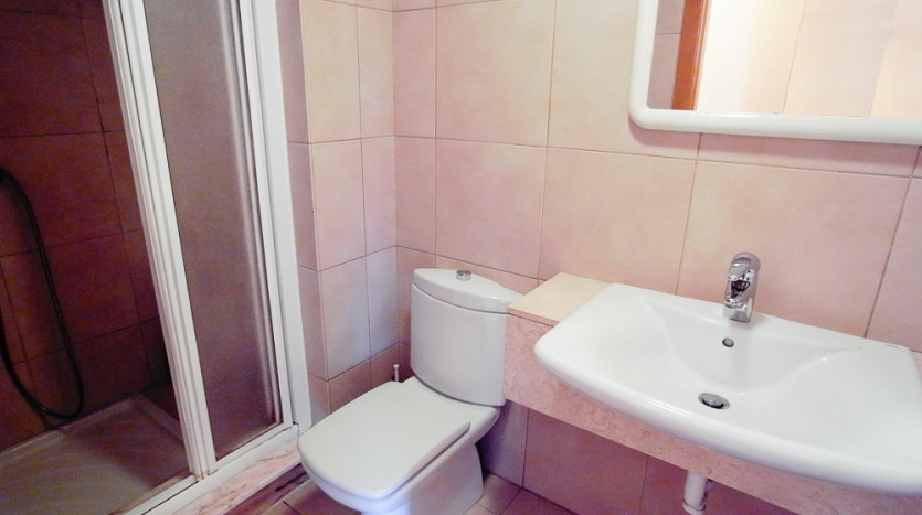 Independent shower room